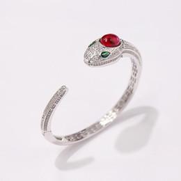 braccialetto in oro smeraldo Sconti Jewelry Designer rubino serpente testa di donna aperto il braccialetto dei monili nozze Bangle Bracciali braccialetto placcato naturale smeraldo Sterling Diamante Oro