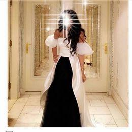 Белый Добавить Черные Африканские платья выпускного вечера 2019 Длинные вечерние платья двух цветов с короткими рукавами A-line vestidos de fiesta de noche от