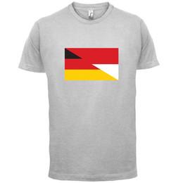 Half German Half Polish Flag - Mens T-Shirt - Polonia / Germania - 13 colori Divertente spedizione gratuita Unisex Casual cheap poland flag da polonia bandiera fornitori