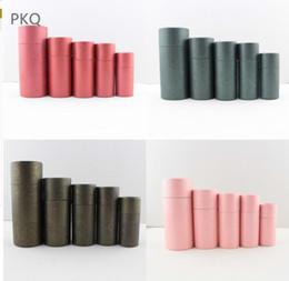 2019 pajarita metálica Caja de papel Kraft de alta calidad de 25 piezas para botella de aceite esencial Té / grano de café Caja de embalaje Tarros de papel 50 ml / 100 ml Latas grandes