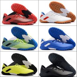 Tacos de fútbol messi negro online-2019 Nueva Nemeziz Messi Tango 19,3 TF Zapatos de Fútbol FG alta calidad Negro Blanco Rojo original de moda deportiva Tacos de fútbol Sneaker39-45