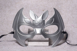 palla di batman Sconti Halloween Lovely Half Face Orecchio lungo Batman Paint Mask Venice Ball Mask WL63