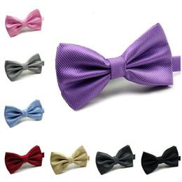 Bowtie viola di mens online-bowtie per le donne uomini festa di nozze viola oro papillon arco solido cravatte mens bowties moda accessori all'ingrosso 24 colori spedizione gratuita