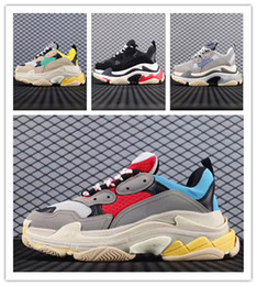 туфли на высоком каблуке для мужчин Скидка 2020 New Triple s Shoes Men Women Sneaker High Quality Mixed Colors Thick Heel Grandpa Triple s Casual Shoes
