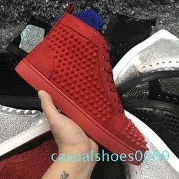 2020 chaussures plates en or gros Designer célèbre marque de gros pour les hommes d'or d'argent strass rouge Bas Sneakers Lovers cuir véritable Top Flats Casual Shoes C09 chaussures plates en or gros pas cher