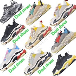 2020 men s casual shoes air chaussures papa Whith Chaussures Mode Paris Triple S femmes des hommes de plein air chaussures de sport triple baskets styliste Vintage gris blanc noir formateurs promotion men s casual shoes air