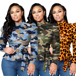 2020 camuffamento top donne sexy Le donne inverno dolcevita Tees completa del manicotto di soffio della stampa del leopardo Camouflage T-shirt Sashes sexy Fashion Night Club Wear Top sconti camuffamento top donne sexy