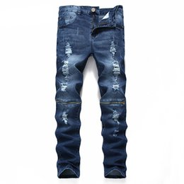 Azul escuro rasgado jeans homens on-line-Ripped Men Jeans Ripped Jeans High Quality 100% Cotton Fashion Designer Men Straight Dark Blue Print