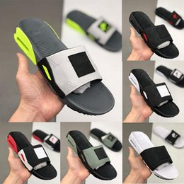 Arrefecer homens sandálias on-line-Camden 90 Deslize fumo chinelos Grey Volt preto branco fresco Mens Grey 90 Flip Flop Sports Chinelo Casual Shoes Men Praia Sandálias