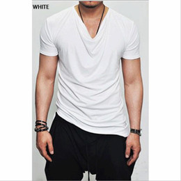 Camisetas de cuello de poliéster para hombre online-Men's Brand V-neck Polyester T-shirt Short Sleeve Tops Tees Men's T-shirt 2020 New Mens Spring Summer Designer