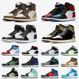 ретро женщины  Скидка Retro 1 Stock X 1 High Travis Scott Low Fearless Mens Basketball shoes Spiderman 1s Cactus Jack Banned Bred Toe Men Women Sports Designers Sneakers