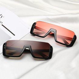 óculos de sol para as sobrancelhas  Desconto Oversized frame retro sunglasses female fashion tone flat eyebrows frameless men sunglasses glasses UV400 Oculos