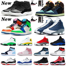 Retrò 13 alto online-scarpe Retro JUMPMAN Basketball LOW WMNS CONCORD 11 11s Shoes New Playground 13 Flint 13s Womens Mens 1 Fearless 1s Travis Scott 2019 Bred High scarpe da uomo donna