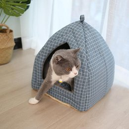 A forma di cane online-Letto per gatti pieghevole del gatto dell'animale domestico letto morbido tappeto Forma Dog Kennel Inverno Pet Cave House Warm Sleeping Cats Nest lavabile letti