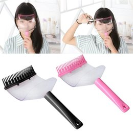 Bang clip de corte online-2020 Newly DIY Hair Bangs Fringe Cut Comb Clip Portable Trimmer Hairstyle Typing Trim Tool 07.17