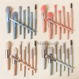 Compagnon de maquillage en Ligne-8pcs / set Mini pinceaux de maquillage portable Set poignée en bois Make Up Brush Maté coloré Brosses Fundation poudre crème fard à joues brosse Kit