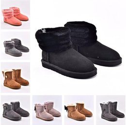 Zapatillas de cuero de invierno online-2020 australia ug wgg Womens ugg women men kids uggs slippers furry boots slides  Classic tall half Boots  fluff yeah boots Snow Winter black slides ankle leather shoes