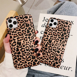 caso de telefone lovebay para iphone Desconto Lovebay Luxo Leopard Leopard Phone Case para iPhone 7 Soft IMD Silicone Tampa traseira para iPhone 11 12 Pro Xs Max XR X 6 6 6S 7 8 PLUS
