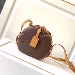 Sacchetto di buccia di cuoio marrone online-Designer Designer Designer Designer 2021 Borse Borse Borse Shoulder Crossbody Secchio Donne Original Brand Fashion Real Pelle Genuine Pelle Top Quality Round Circle Brown