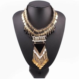 Collier plastron multi chaîne en Ligne-2020 Triangle Pendentif Bib Multi Calques Gold Color Chain Déclaration Chuky Collier Collier Nouvelle Design Collier de mode1