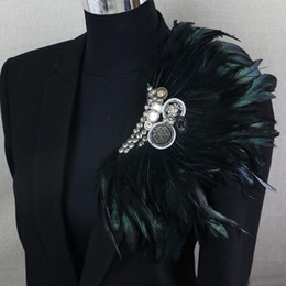 broches fleurs en plumes Promotion Boutonniere Clips Collier Broche Broche Busssiness Bustsiness Cuir Broche Broche Noire Black Featch Fleur Corsage Party Bar Singer LJ201007