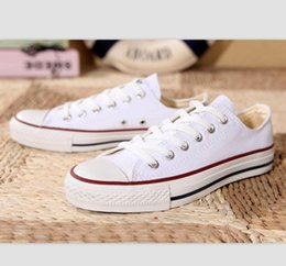 Men s shoes casual style online-2021 Nuova taglia Big Size 35-46 Scarpe casual Low Top Style Sports Stars Chuck Classic Canvas Scarpe da sneakers da uomo / da donna Scarpe da donna