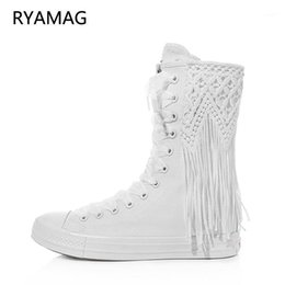 Appartamenti in rilievo online-Ryamag 2021 New Women's Canvas Boots Short Beaded Nappa Appartamenti Ricamo Lacci-Up Zipper Copertura Comfortable Vulcanize Sneakers1