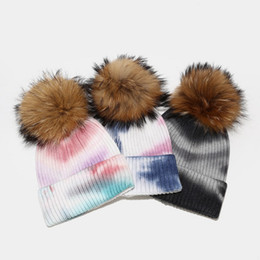Calze più calde delle donne online-Tie-Dye Wool Ball Ball Maglia Cappello a maglia Hot New Style Donne Donne Outdoor Ski Cap Soft Stretch Heytted Hat Lla66