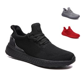 bonnes marques de baskets Promotion Bonne marque Fashion Hommes Running Shoes Outdoor Hommes Baskets Triple Noir Triple Triple Blanc Gris Cool Tous Sports rouges Sneakers 40-46