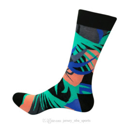 2021 uomini di abito da calcio 21 Fashion Happy Socks Party Funny Dress Dress Uomo Calzini causali di grandi dimensioni Calze lunghe Elescenziali Colouring Cotton Guiding Sports Sports Socks M16