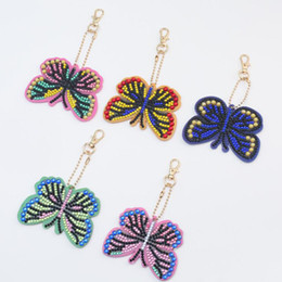 Ciondolo portachiavi farfalla online-Nuovo 5D DIY Diamond Painting Keychain Fashion Cartoon Butterfly Keychain Handmade Diamond Mosaic Bag Pendant 201112