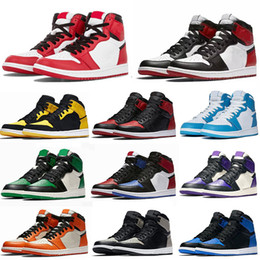 Женская обувь золотые металлы онлайн-Jumpman Jordan 1 Basketball Shoes chicago OG Running shoes royal toe black metallic gold pine green black UNC Patent men women Sneakers trainers