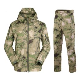 Tad shark skin softshell on-line-Tad Tactical Softshell Homens Fleece Jas Exército Impermeável Camuflagem Roupas Pak Shark Skin Militar Jackets Broek Set