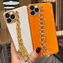 Capa dourada do iphone on-line-Luxo Moda 3D Golden Chain Bracelet Phating Phone Case para iPhone 12 11 Pro Max X XS XR 7 8 PLUS PROTEÇÃO Cobertura traseira Funda
