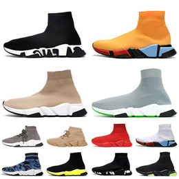 Botas baixas on-line-Topo QULALIDADE 2021 Luxurys Designers Mulheres Mens Sock Shoes Sapatos Casuais Graffiti Tripler Tripler Moafers Sock Trainers Womens Boots Sneakers