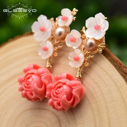 Brincos de flores cor de rosa on-line-Glseevo Real 925 Esterlina Prata Coral Coral Brincos Branco Pérola Rosa Natural Stone Shell Flor Dangle Brincos Ge0024 200923