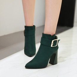 punte in metallo Sconti Big Size Euro-American wind-tipped thick heel side zipper metal decorative short boots
