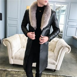 2021 abrigo largo negro grueso para hombre Luxury Big Fur Collar Long Leather Coats For Mens White Trench Coats Thick Velvet Winter Overcoats Long Jakets Elegant Black abrigo largo negro grueso para hombre baratos