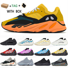 Scarpe da ginnastica adidas online-adidas kanye west yeezy boost 700 v2 v3 yezzy yeezys shoes 2021 chaussures yecheil sun scarpe shoes 3m white black reflective mens women stock x sneakers wave runner 700