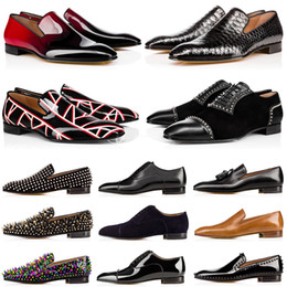 Wildleder business casual schuhe online-red bottoms Herren Designer Abendschuhe Rote Unterteile Freizeitschuhe Matt Lackleder Runde Zehen Slip-On Spikes Flache Business Sneakers 38-47