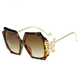 2021 le tonalità farfalle sovradimensionate Veshion Butterfly Oversized Square Luxury Sunglasses Uomo Donna Moda Shades UV400 Occhiali vintage