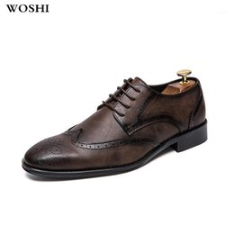Classiche scarpe da uomo italiano online-Moda scarpe da uomo in pelle Leather Italian Dress Shoes Classic Formale Brogue per calzature maschile Business da sposa K41