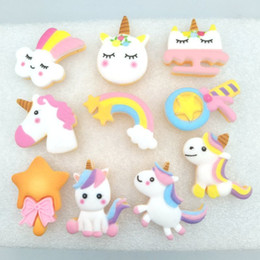 Accessori di centro dell'arco dei capelli online-20pcs / lot Kawaii Unicorn, arcobaleno, Star Resin Back Back Cabochon Scrapbooking Hair Bow Center Embellishments Accessori fai da te Y0107