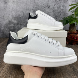 Men s shoes casual style online-Scarpe casual da donna classiche da donna Scarpe casual Lace Up Comfort Pretty Chaussures Trainer Men Daily Lifestyle Style Style Skateboard Scarpe