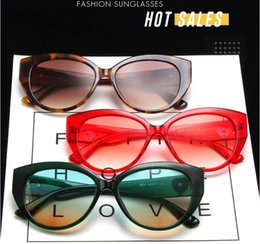 Óculos de sol da cara do gato on-line-2021 New Sexy Woman Sunglasses Cat Eye Óculos de Sol de marca Projeto Grande Frame Face Face UV400