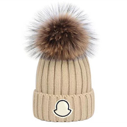 Gorra blanca negra online-Adults Thick Warm Winter Hat For Women Soft Stretch Cable Knitted Pom Poms Beanies Hats Womens Skullies Beanies Girl Ski Cap Beanie Caps