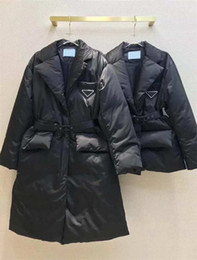 Veste d'hiver longue femme en Ligne-Veste d'hiver avec taille réglable pour femmes Down Parkas Long manteau Lady Slim Vestes avec lettre Budge Sequins Withear Soustine Manteaux chauds