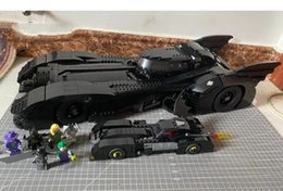 Modello batmobile online-In magazzino Building Blocks Super Hero Car Model 1989 Batmobile Car 76139 con mini auto Mattoni giocattoli per ragazzi e ragazze Gifts Q0123