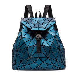 Zaini holografici online-2020 New Women Backpack Fashion Holographic Bao Backpacks Female Student Geometry Bag Woman'S Travel Bags Shopping Backpack