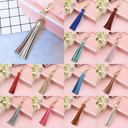 Borrachas para carros on-line-10pcs PU Tassel Keychain Long Tassel Fashion DIY Luggage Accessories Car Keychain Leather TasselParty Favor XD24180
